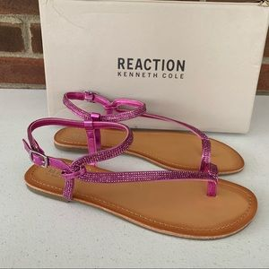 New Reaction Kenneth Cole Thong Flat sandals
